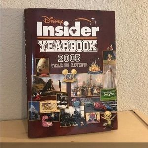 Disney Insider Yearbook 2005 Year in Review
